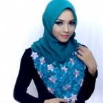 The Coolest Hijab Roll tutorial