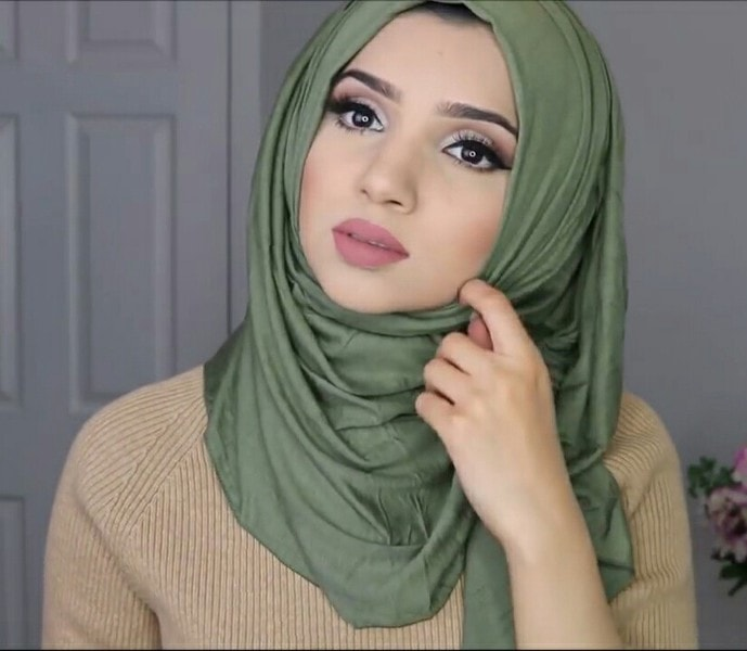 Amazing & Simple Modern Hijab Style For Round Face