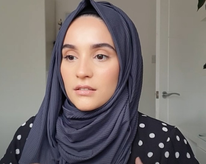 Soft And Light-Weight Jersey Hijab Tutorial