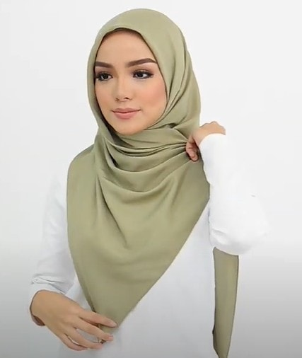 Latest Khimaar Hijab Tutorial For A Covered Look
