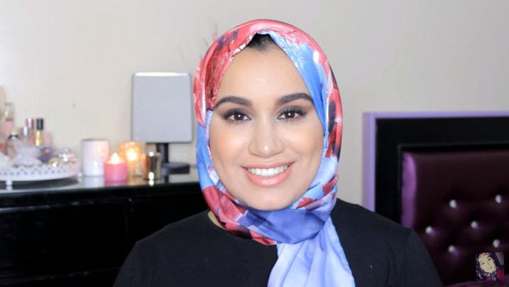 شاهدي لفات حجاب حرير
