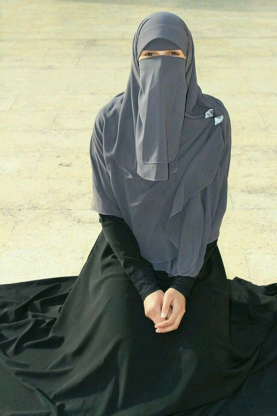 ستايلات نقاب ، ملابس منقبات
