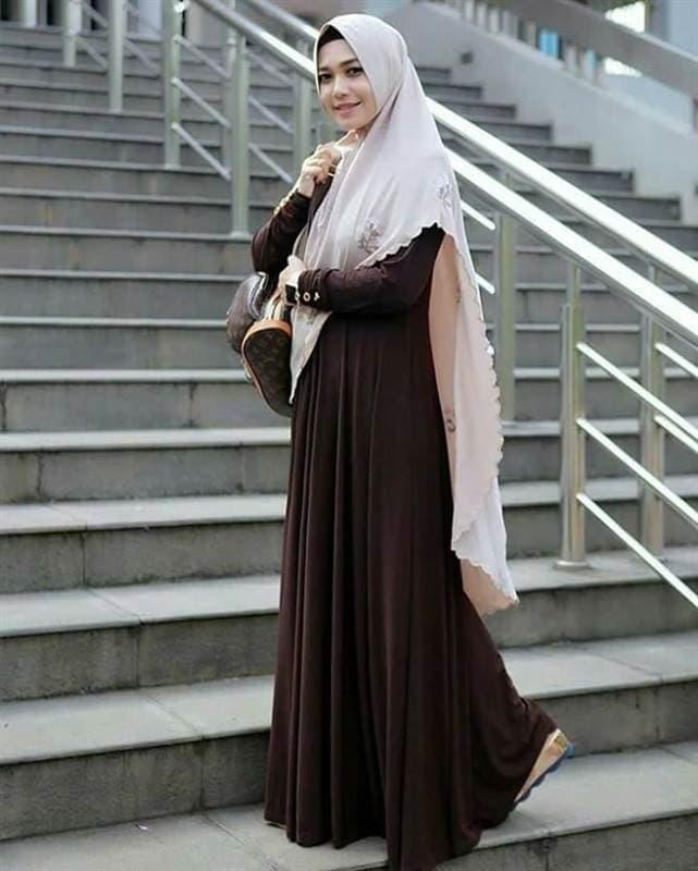 ملابس الخمار، فستان بني ، خمار طويل