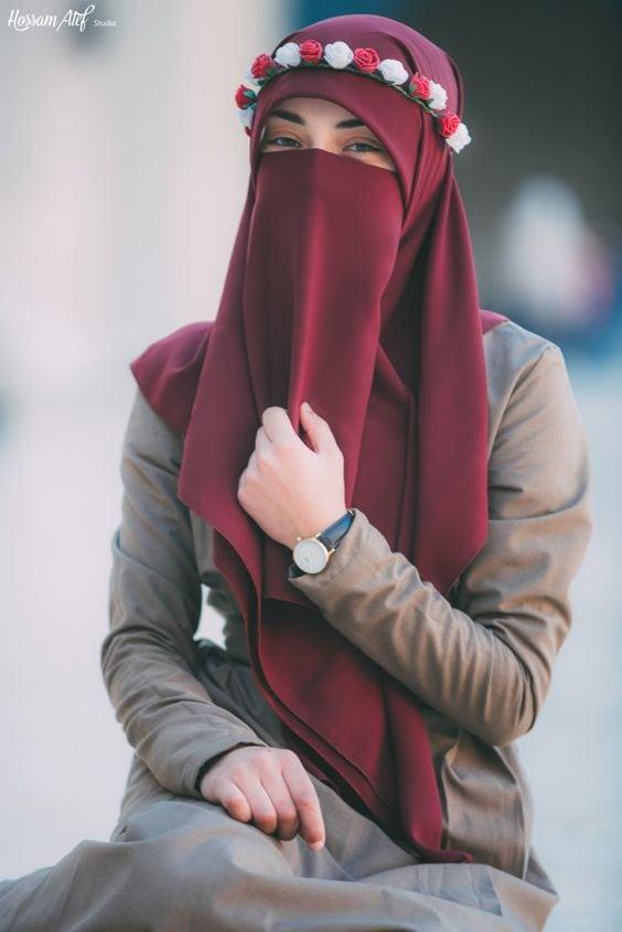 ملابس منقبات