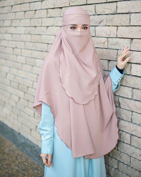 ملابس منقبات ، نقاب مختلف