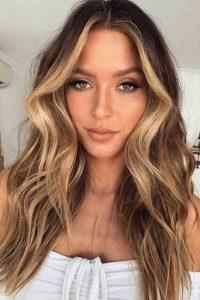 صبغ الشعر باللون الاشقر