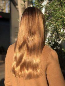 صبغ الشعر باللون الاشقر الذهبي
